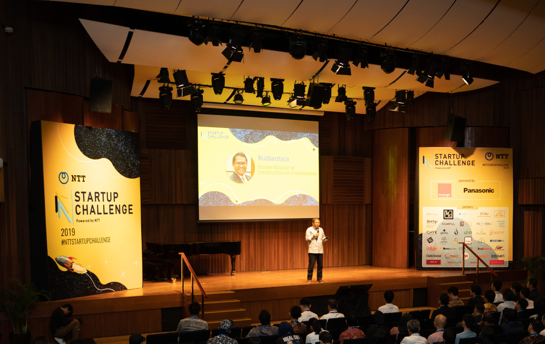 Top 10 cuộc thi NTT Startup Challenge 2020