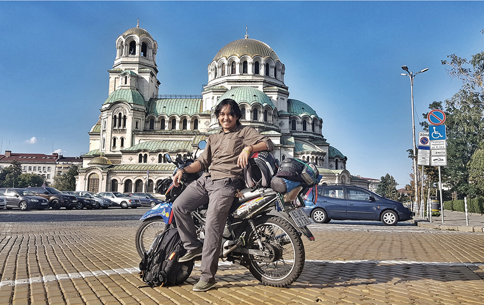 Solo motorbiking around the world - Stories from the road